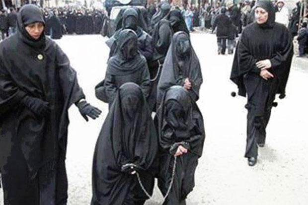 ONU: 'ISIS vende as crianças, as crucifica e as enterra vivas'