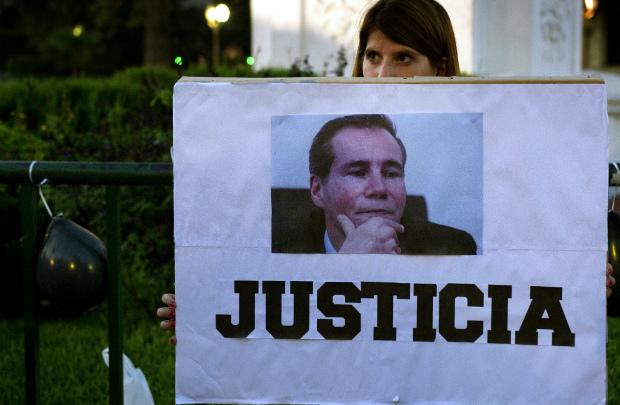 Investigadores descobrem documento em que Nisman pedia prisão da presidente Kirchner