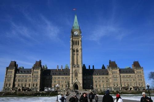 Parlamento Canadense condena extração forçada de órgãos de praticantes do Falun Gong