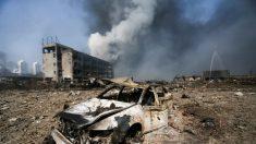 Compilação chocante de vídeos mostra enorme explosão na China