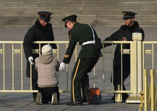 Violentada e quase morta por seus órgãos, chinesa conta história horripilante