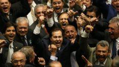Rodrigo Maia é eleito presidente da Câmara dos Deputados