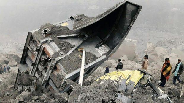 Colapso de mina de carvão na Índia deixa 15 soterrados