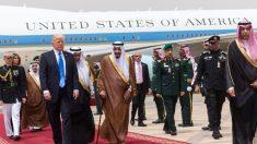Donald Trump chega à Arábia Saudita