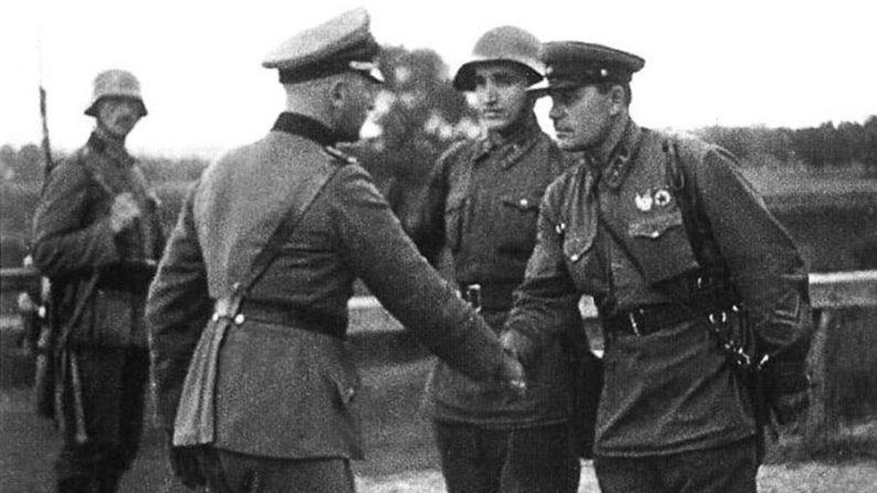 Pacto Hitler-Stalin: uma obscura aliança na Segunda Guerra Mundial