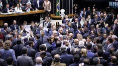 Câmara arquiva denúncia contra Michel Temer
