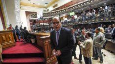 Guarda Bolivariana invade Parlamento para instalar Constituinte