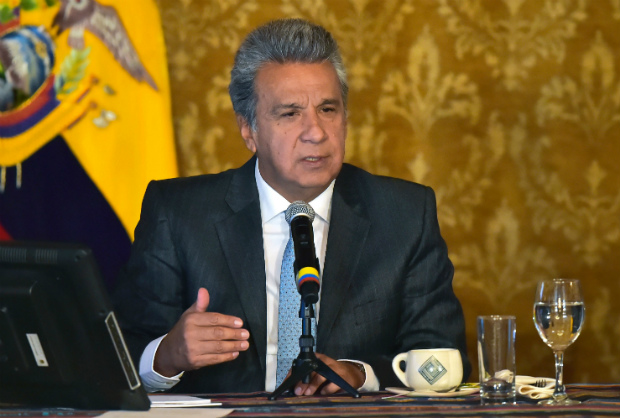 Presidente do Equador anuncia que fará consulta popular