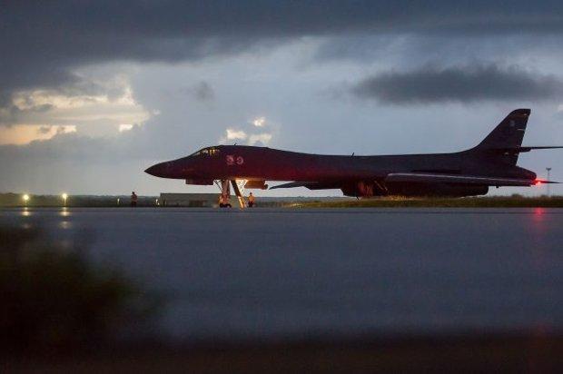 Força aérea chinesa simula ataque a base dos Estados Unidos