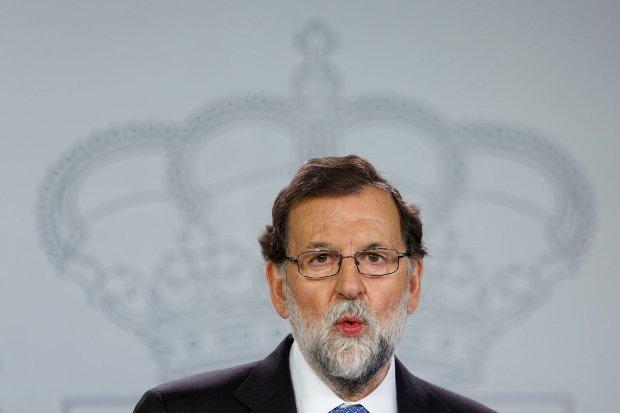 Espanha fecha Parlamento da Catalunha e convoca eleições na região