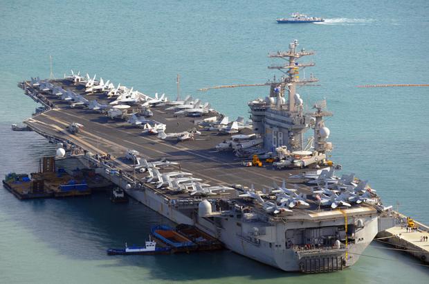 Três porta-aviões dos EUA realizam exercícios militares incomuns no Pacífico