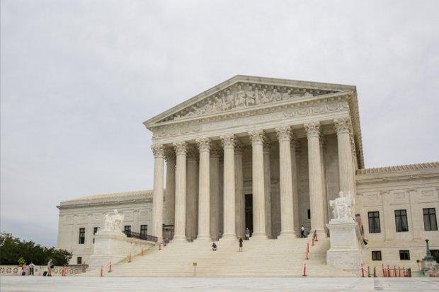 Suprema Corte dos EUA decidirá sobre muro de Trump e política de asilo
