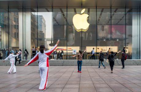 Apple entrega dados dos usuários chineses à companhia vinculada ao Exército da Libertação Popular