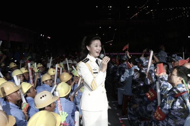 Cantora e comediante enfrentam problema com liderança da China