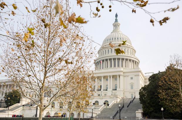 EUA: Câmara aprova lei para tentar prevenir paralisia do governo