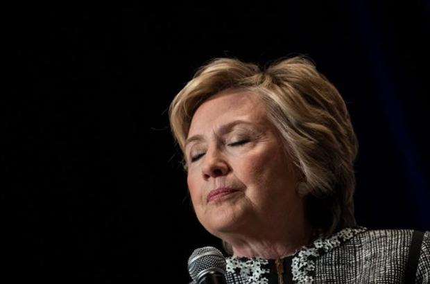 Hillary Clinton enfrenta agora três investigações, e pode ser parte de uma quarta