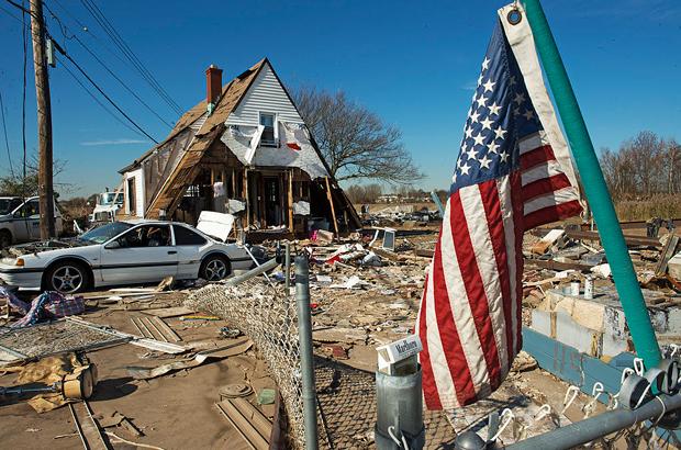 Democrata de Nova York é acusada de roubar dinheiro destinado ao desastre do furacão Sandy