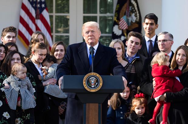 Trump discursa durante Marcha pela Vida