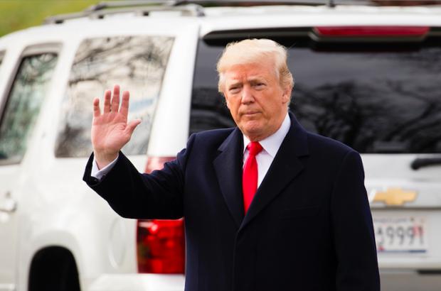 EUA: Trump divulga quedas recordes nas taxas de desemprego
