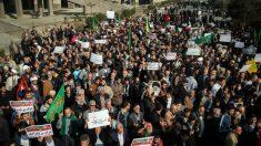 Irã: três manifestantes mortos pela Guarda Revolucionária durante protestos que chocam país