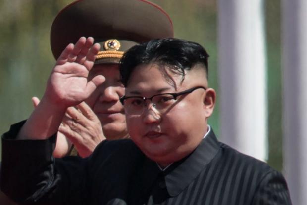 Apesar de 1982 ser considerado oficialmente o ano de nascimento de Kim Jong-un, relatos sugerem que o ano foi alterado por motivos simbólicos (Ed Jones/AFP/Getty Images)