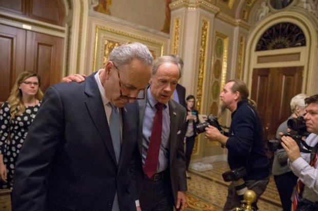 Governo dos EUA paralisa com falha do Senado em conseguir acordo sobre Orçamento
