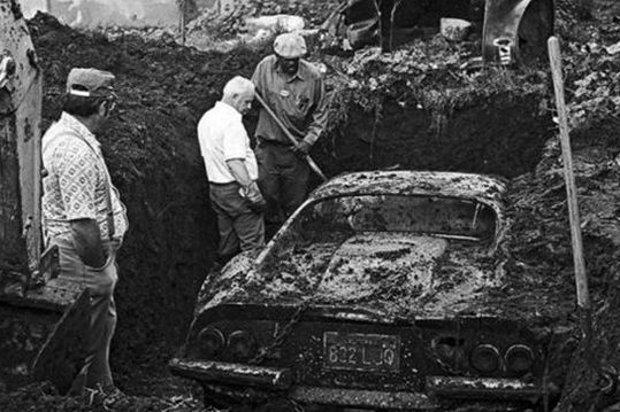 Cavando no quintal, crianças descobrem Ferrari Dino 1974 ─ mas há mais emoção nesta história