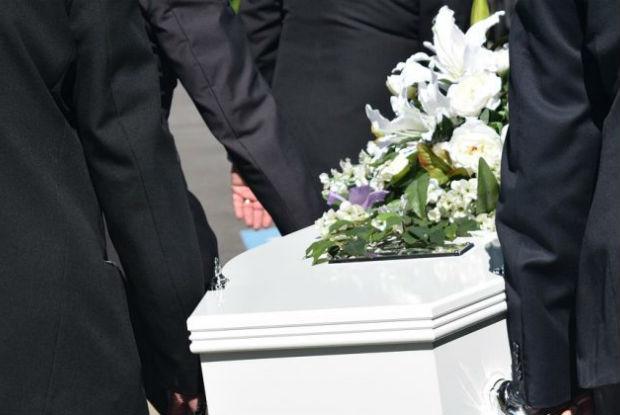 Mulher de 92 anos é considerada morta e desperta no necrotério