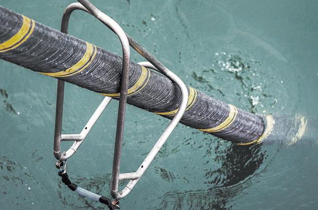 Informação de telefone e internet via cabos submarinos estão ameaçadas pela monitoração da China