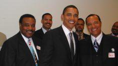 Revelada foto secreta de Barack Obama com Louis Farrakhan