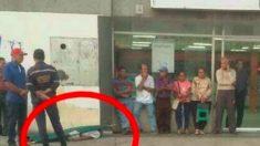Venezuela: aposentado morre depois de esperar 2 dias na fila para receber pensão de 1 dólar