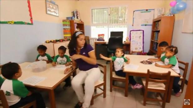 Crianças em Hogar Bambi, segundo maior orfanato particular da Venezuela