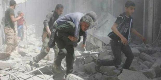 Foto publicada em 28 de fevereiro de 2018, mostra áreas afetadas pelos bombardeios do exército sírio em Guta Oriental (Observatório Sírio dos Direitos Humanos)