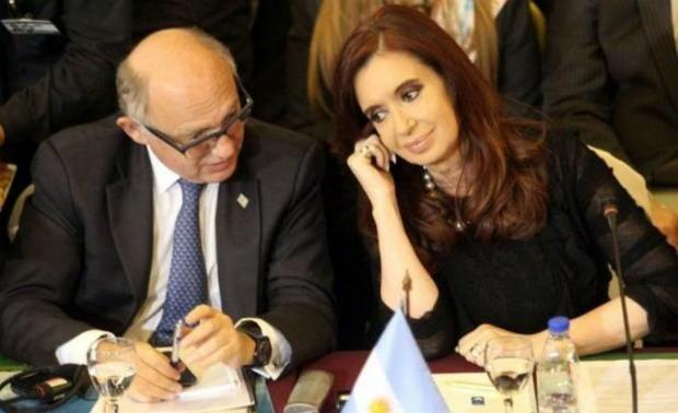 Cristina Kirchner e outro acusado, o ex-chanceler Héctor Timerman