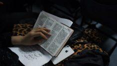 Regime chinês proíbe vender Bíblia pela Internet