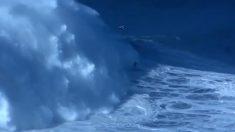 Brasileiro Rodrigo Koxa é premiado por quebrar 'recorde mundial' surfando onda de mais de 24 metros