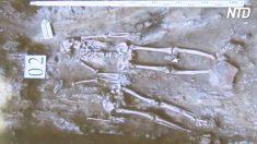Par de esqueletos ancestral é encontrado e posição deles supreente a todos