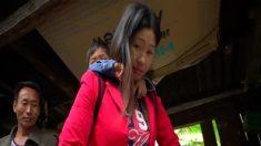 Aldeões no sudoeste da China arriscam suas vidas cruzando rios em tirolesas (Vídeo)