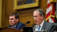 EUA: Congressista pede inquérito sobre pressão 'perturbadora' para encerrar investigação de Clinton