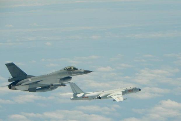 Taiwan detecta aviões militares chineses sobrevoando território em disputa