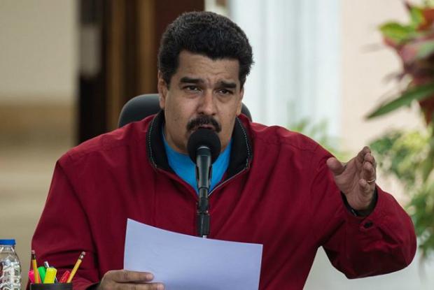 Maduro ordena que militares assinem juramento após descobrir rebelião