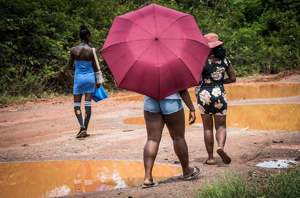 Na Guiana, mulheres jovens foram encontradas sendo prostituídas próximas de minas de ouro remotas (Interpol)