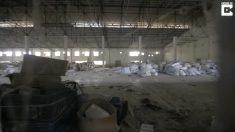 Grupo descobre fábrica de roupas abandonada e realiza projeto criativo para conscientizar as pessoas