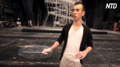 'Zelador' limpa casa de ópera, mas quando pega batuta, ele parece possuído. É fenomenal!