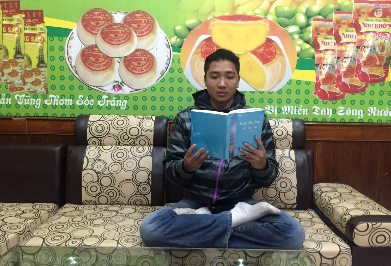 """""""Quanto mais eu lia o livro 'Zhuan Falun', mais fascinado eu ficava"""" (Pham Duc Duy)"""