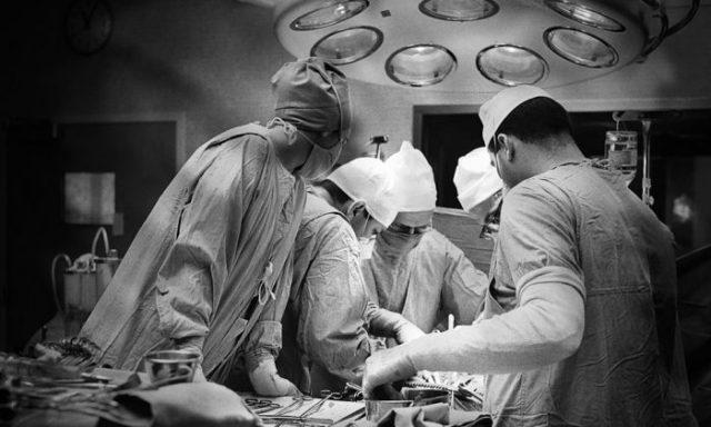 Mulher morre por 37 segundos enquanto dá à luz. O que ela diz aos médicos depois de ser ressuscitada é impressionante!