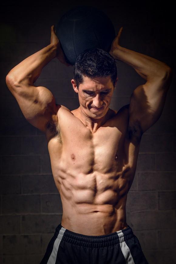Fisioterapeuta e personal trainer, Jeff Cavaliere. (Cortesia de Athlean-X)