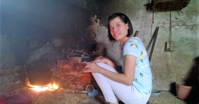 Nguyet completamente recuperada de uma doença terminal por meio de uma antiga prática de meditação chinesa (Dang Thi Nguyet)