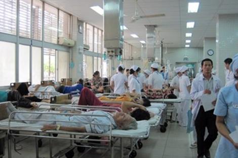 O Cho Ray Hospital, onde o Dr. Le Thi Thanh Thai trabalhou durante anos, está sempre ocupado com os pacientes (NTD.TV)