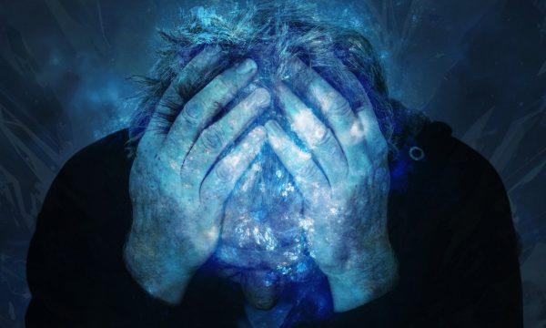 É comum as pessoas sentirem a angústia de um ente querido à distância - isso é chamado simulpatia (Epoch Times)